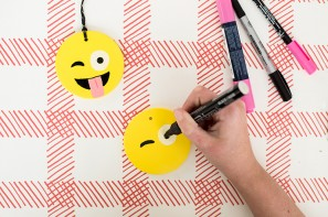 diy-emoji-ornaments7-297x197